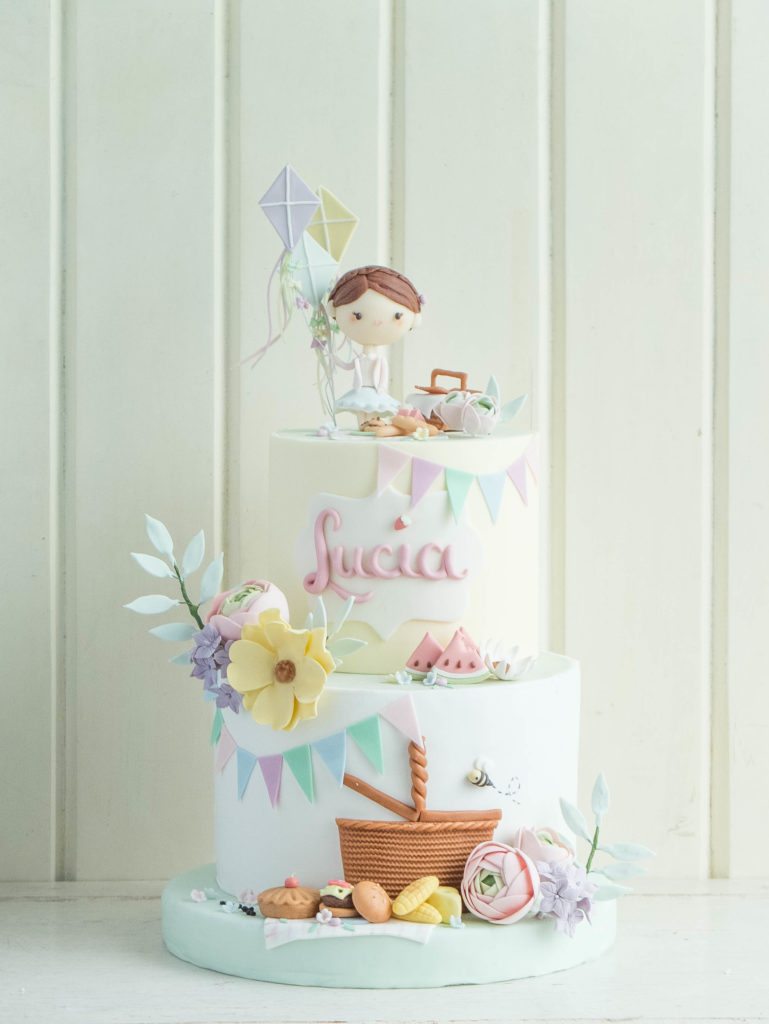 Lucia S Picnic Cottontail Cake Studio Sugar Art